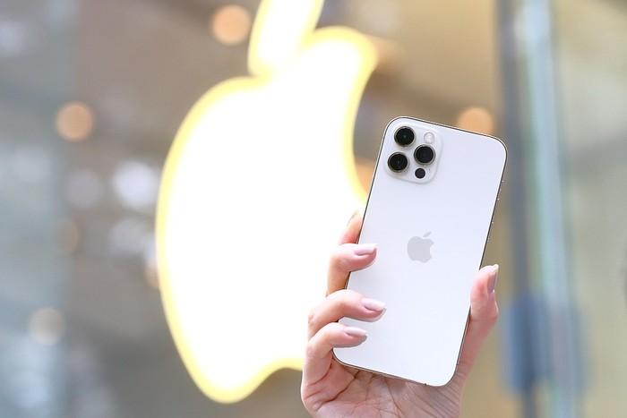 iPhone 12S高清图曝光 缺席的120Hz终于要来了?